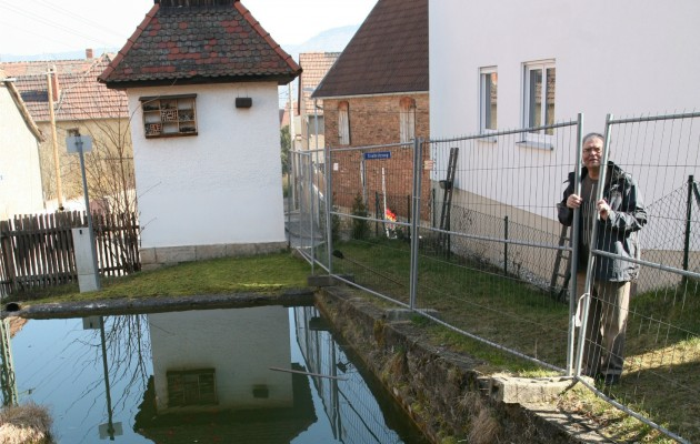 Dorfteich in Altwinzerla- Feuerwehr will im September aktiv werden