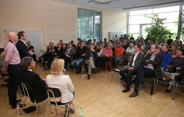 Bürgerversammlung zum Thema Flüchtlingsunterkunft in Winzerla