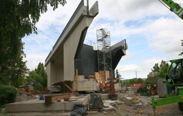 Brückenkoloss wurde passgenau eingesetzt