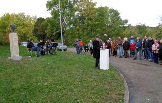Bronze-Büste von Johannes R. Becher feierlich eingeweiht
