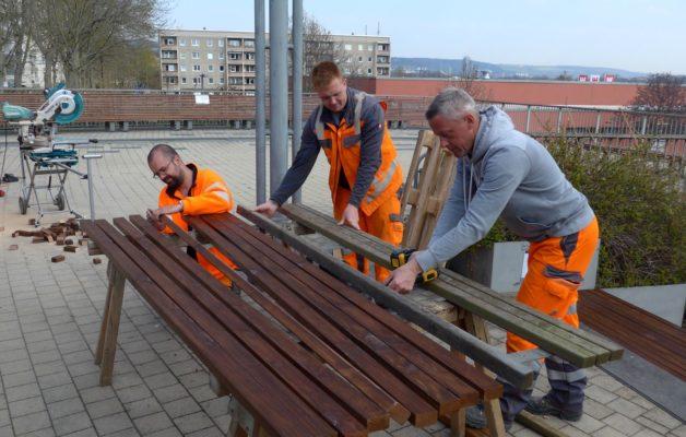 KSJ macht Winzerla wieder flott – Banklatten erneuert