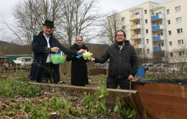 Erlös aus Buchspenden kommt dem Stadtteilgarten zugute