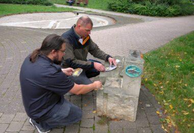 Keramik trifft Sandsteine an der Wasserachse – zweiter Akt